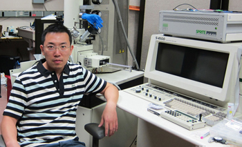 Liang Feng in the Nanofabrication Lab