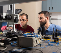 (l-r) PhD student Ranjeet Kumar and postdoc Marc Savanier from Micro-Nano-Photonics group of ECE Pro